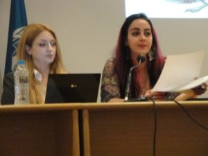 Στο διεθνές συνέδριο «Μια κοινωνία που πεθαίνει ή μια Αναγέννηση για τον 21ο αιώνα», Νοε. 2009, στο Παν/μιο της Ινδιανάπολης.